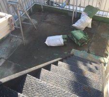 墨田区で屋上の防水工事中